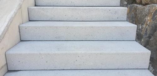 Parco Blockstufen grau gestrahlt